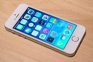На iPhone 5 появились царапины