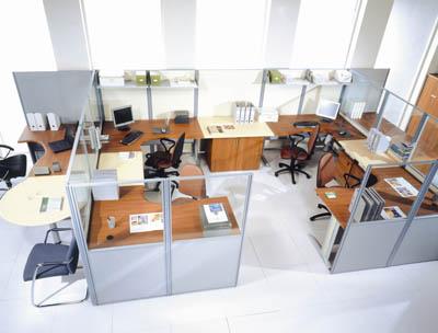 Чем привлекательны офисные перегородки?