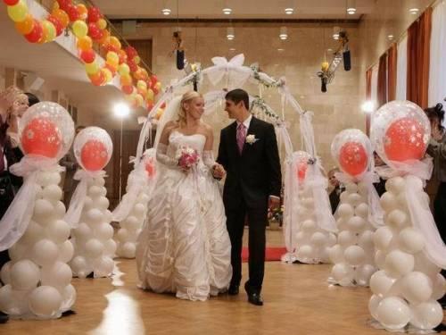 Украшаем свадьбу воздушными шарами